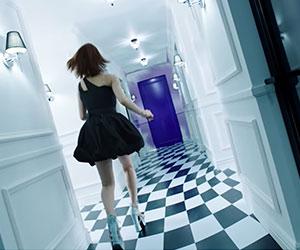 NiziU(ニジュー)デビュー曲Step and a stepMVのマコ